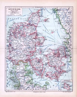Farbige Lithographie einer Landkarte von Dänemark aus 1893. Maßstab 1 zu 1,6 Millionen. Hauptstädte, Dampferlinien udn Telegraphenlinien sind eingezeichnet.